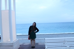 To walk around, since it was so warm out, I wore my emerald green lace dress from H&M, and a black cardigan from New Look to protect from the sea breeze.